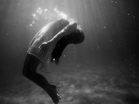 Τα υπαρξιακά ερωτήματα, οι υπαρξιακές αγωνίες και η υπαρξιακή κατάθλιψη.